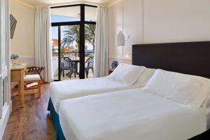 Hotel H10 Conquistador in Tenerife junior suites